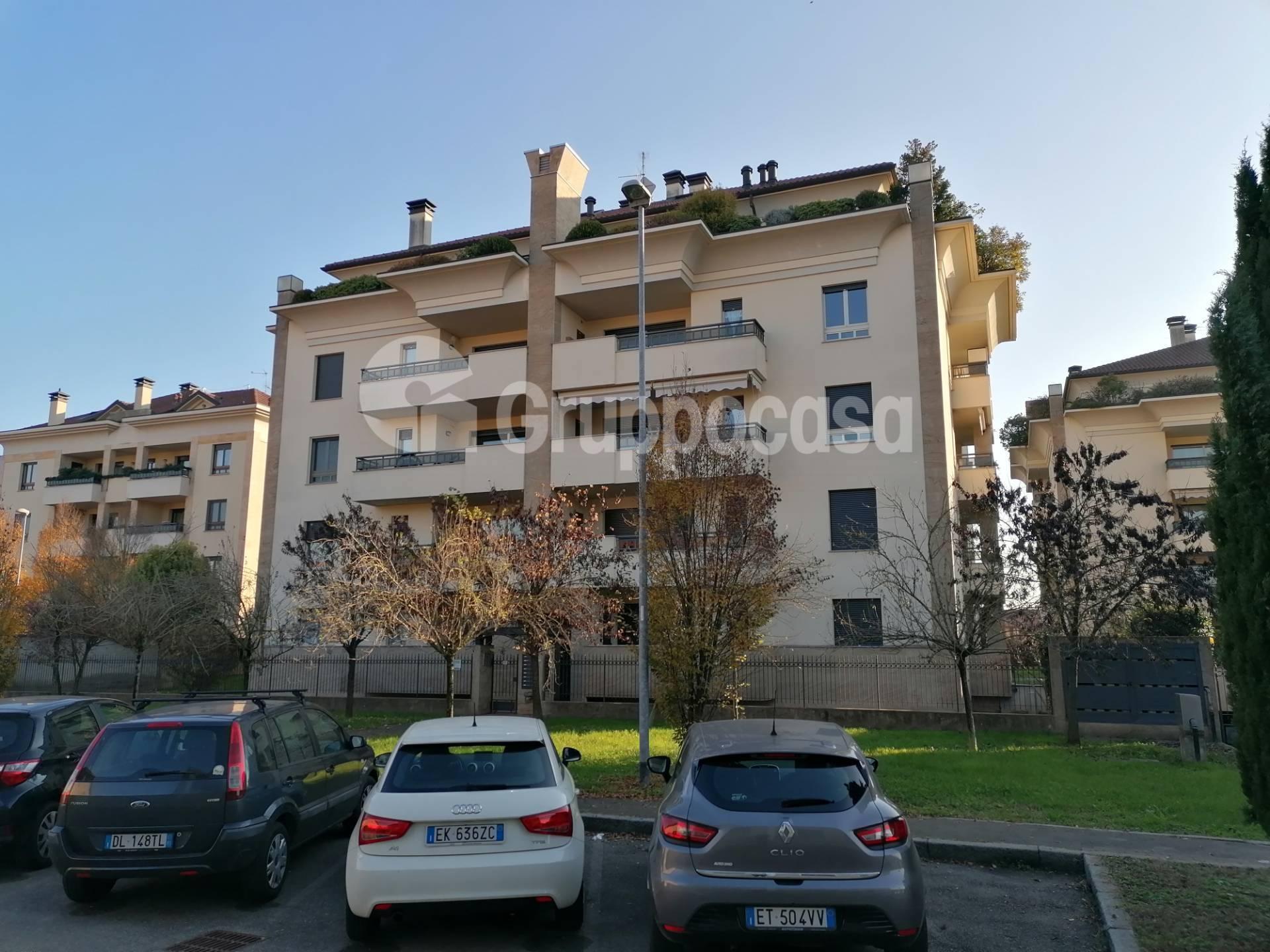 Appartamento in vendita a Magenta, 4 locali, prezzo € 375.000 | PortaleAgenzieImmobiliari.it