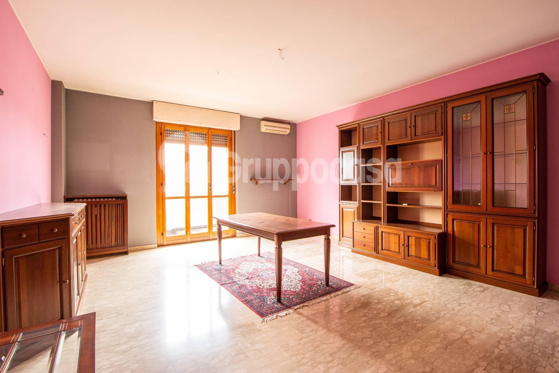 Appartamento in vendita a Ossona, 3 locali, prezzo € 99.000 | PortaleAgenzieImmobiliari.it