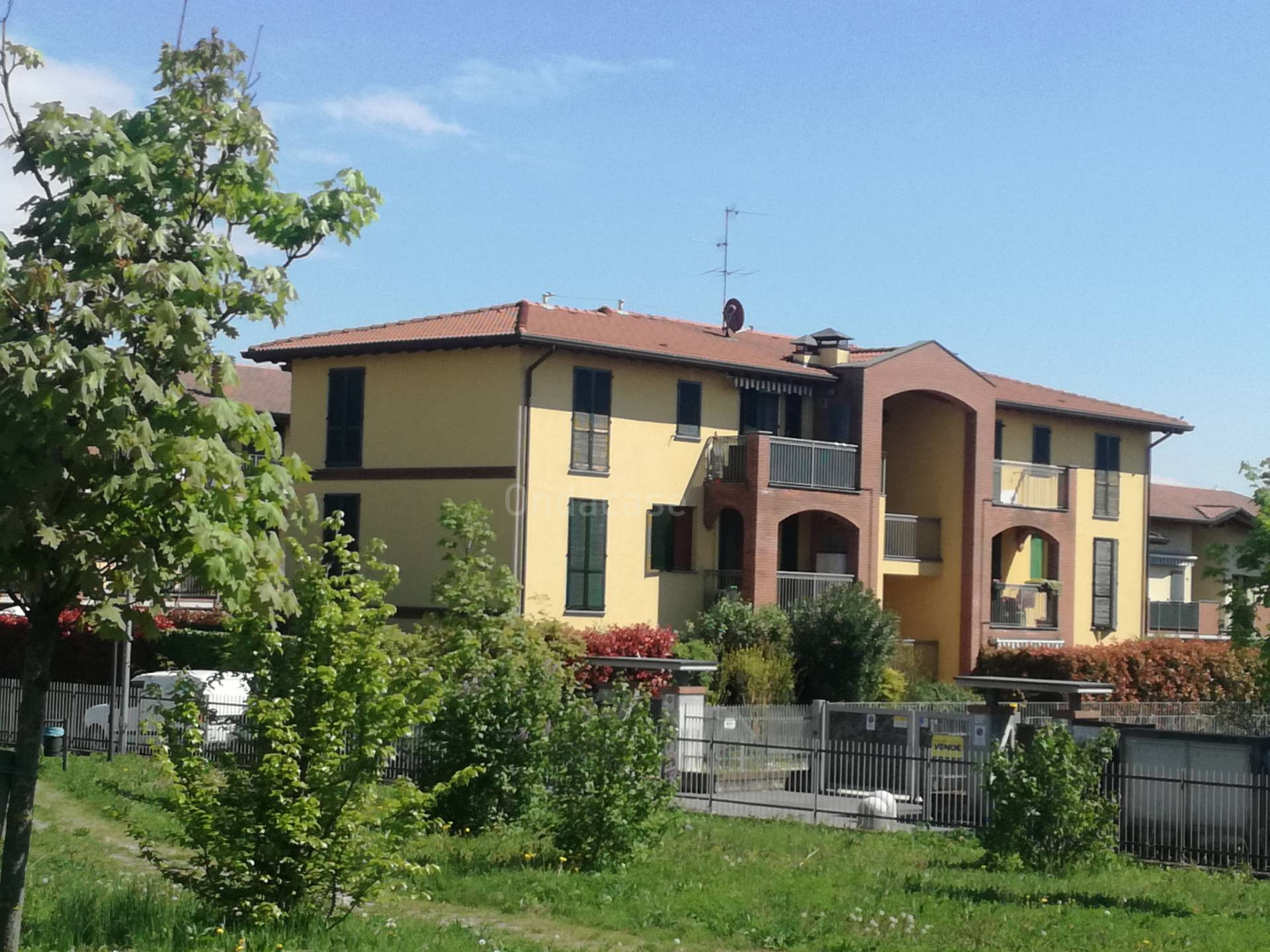 Appartamento in vendita a Capriate San Gervasio, 3 locali, zona Località: SanGervasio, prezzo € 99.000 | PortaleAgenzieImmobiliari.it