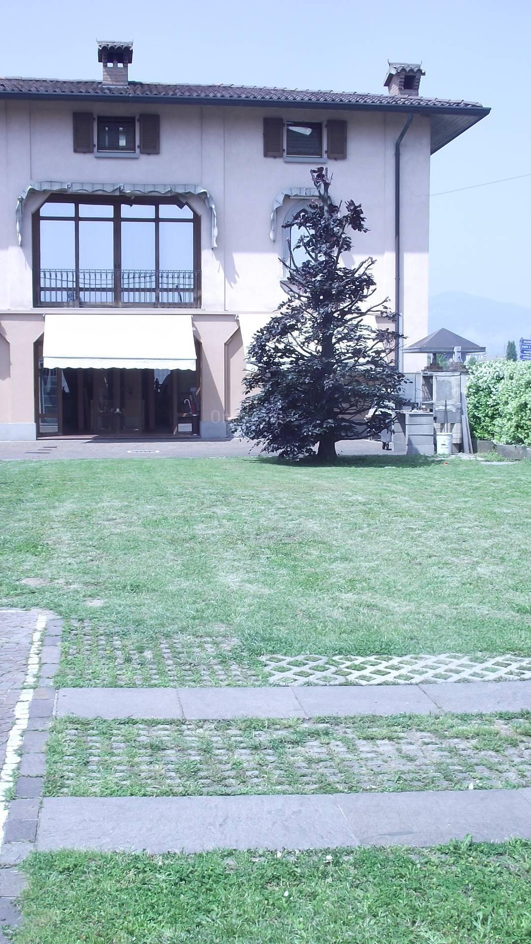 Attico / Mansarda in vendita a Bonate Sopra, 6 locali, prezzo € 190.000   PortaleAgenzieImmobiliari.it