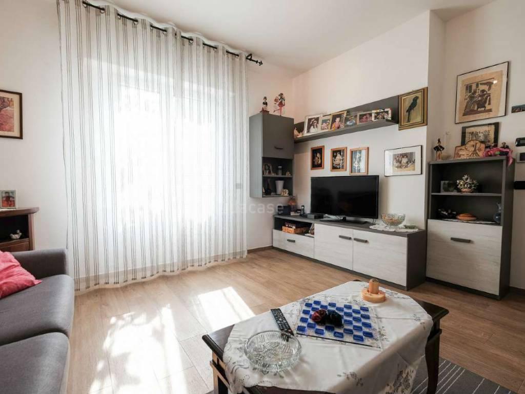 Appartamento in vendita a Capriate San Gervasio, 3 locali, prezzo € 160.000 | CambioCasa.it