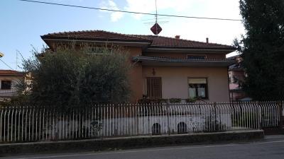 Villa in Vendita a Osio Sotto