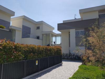 Villa in Vendita a Treviolo