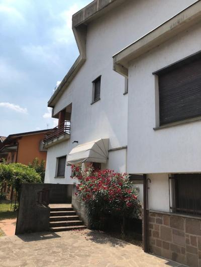Villa in Vendita a Valbrembo