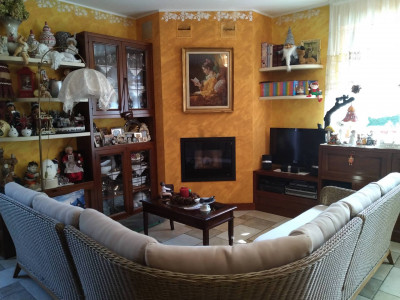 Villa Bi- familiare in Vendita a Bonate Sopra
