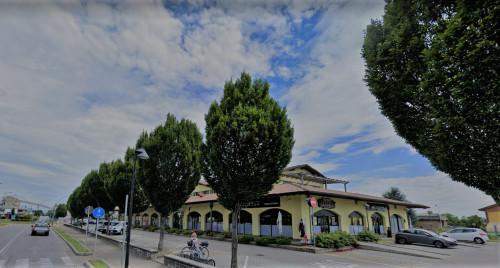 Attività commerciale in Affitto a Calusco d'Adda