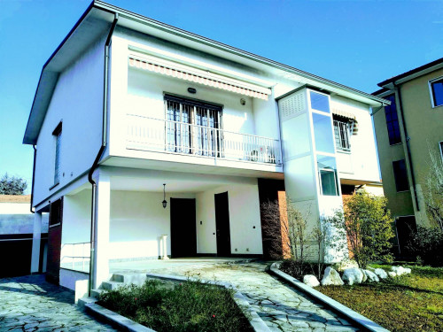 Casa singola in Vendita a Gorgonzola