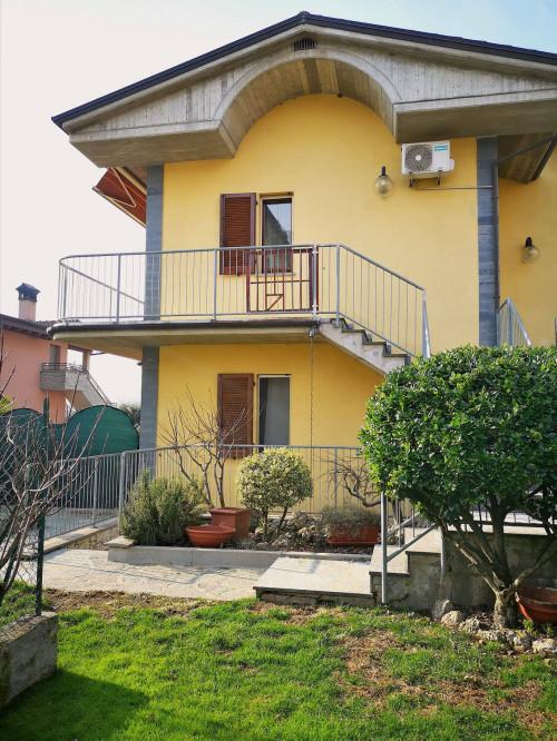 Appartamento in villa in Vendita a Brembate