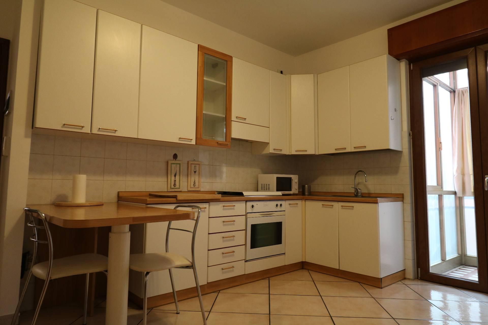 Appartamento in affitto a Verona, 3 locali, zona Località: BorgoTrento, prezzo € 700 | PortaleAgenzieImmobiliari.it