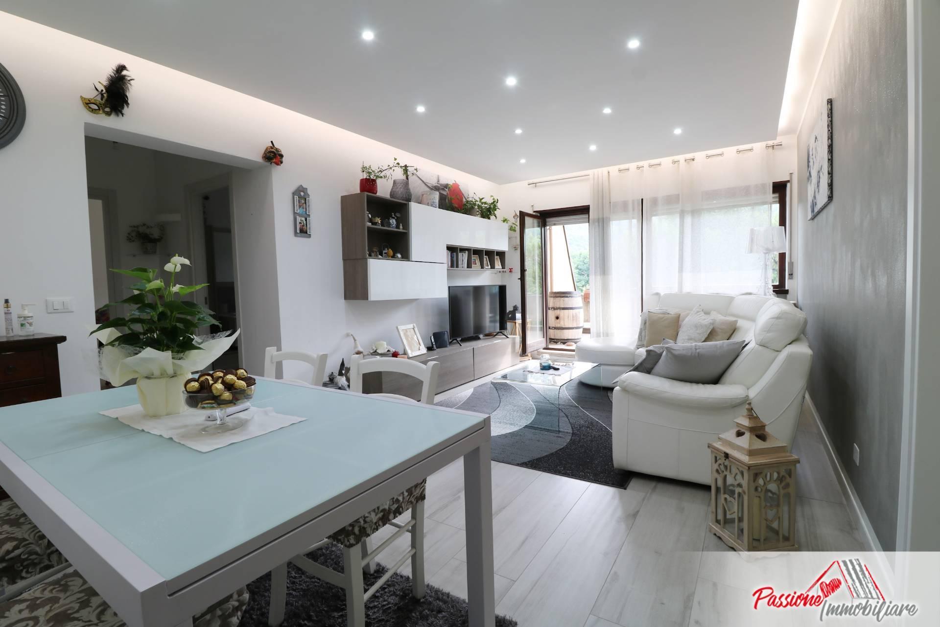 Appartamento in vendita a Verona, 5 locali, zona Località: Parona, prezzo € 312.000 | PortaleAgenzieImmobiliari.it