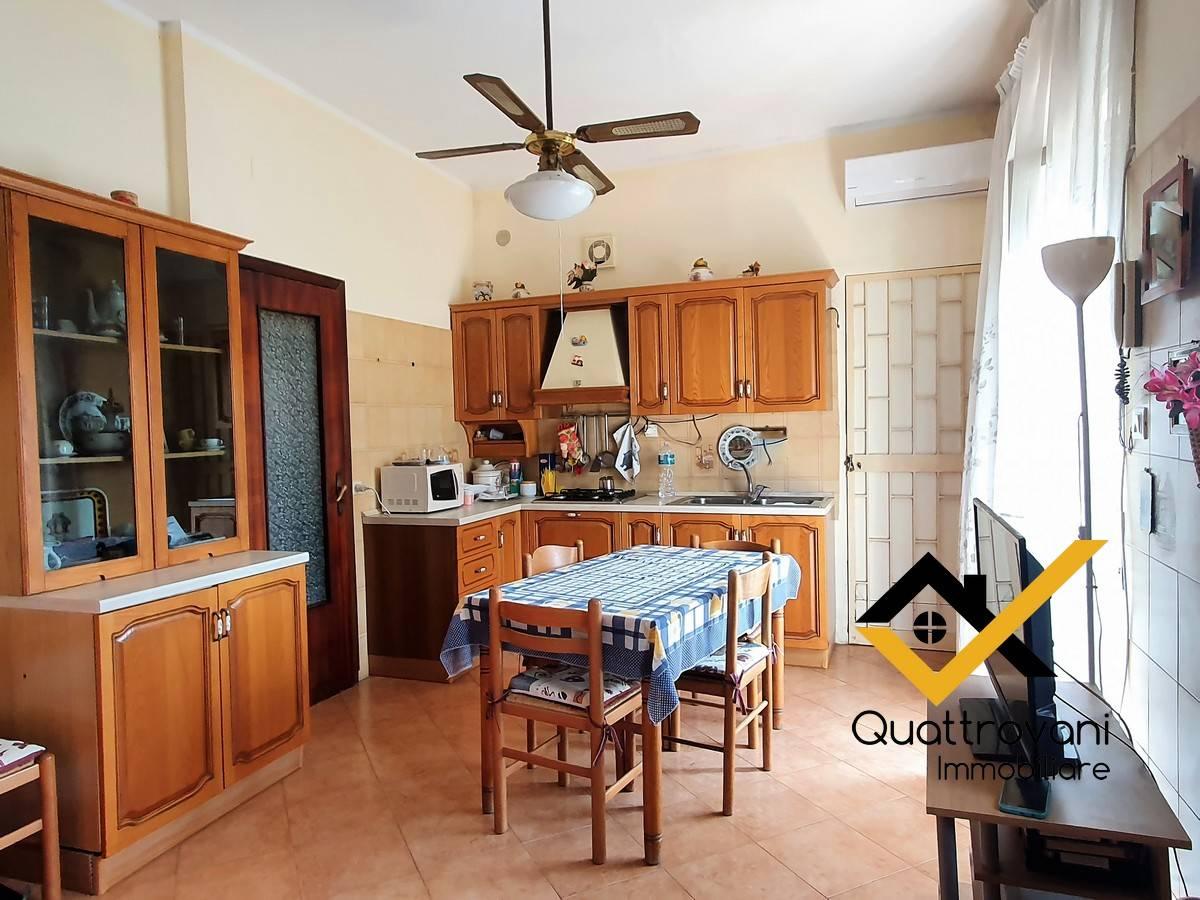 Appartamento in vendita a Mascalucia, 2 locali, prezzo € 88.000 | PortaleAgenzieImmobiliari.it