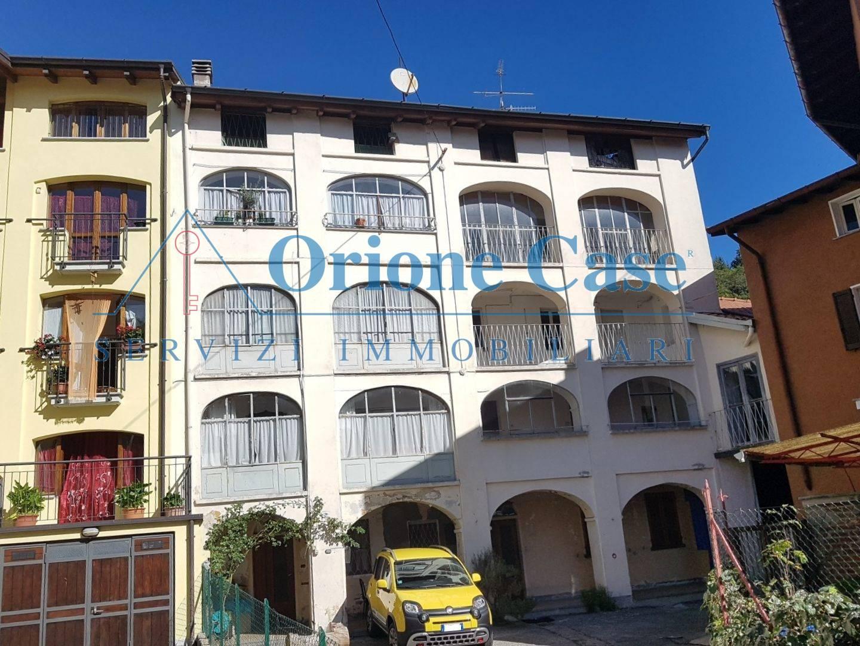 Soluzione Semindipendente in vendita a Cugliate-Fabiasco, 8 locali, prezzo € 55.000 | PortaleAgenzieImmobiliari.it