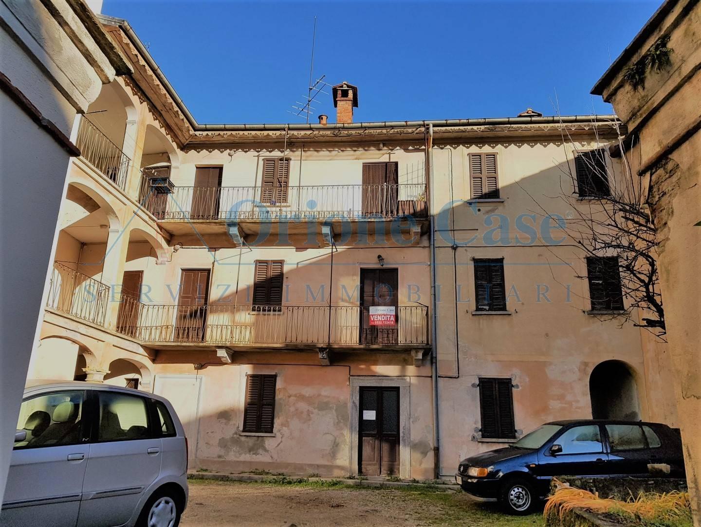 Soluzione Indipendente in vendita a Cadegliano-Viconago, 6 locali, prezzo € 60.000 | PortaleAgenzieImmobiliari.it