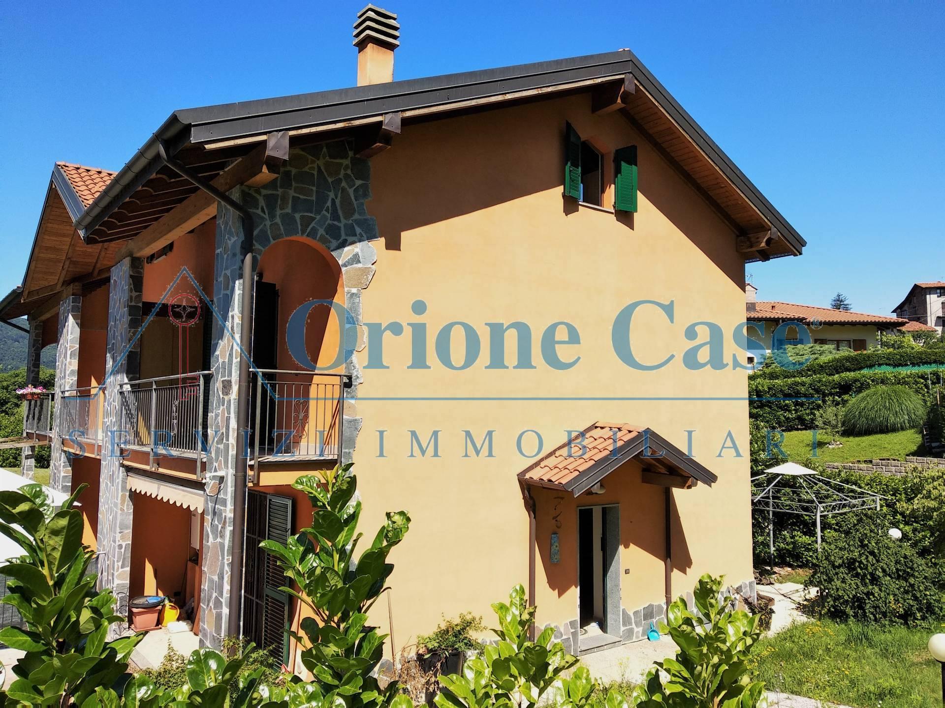 Villa in vendita a Montegrino Valtravaglia, 4 locali, prezzo € 250.000 | PortaleAgenzieImmobiliari.it
