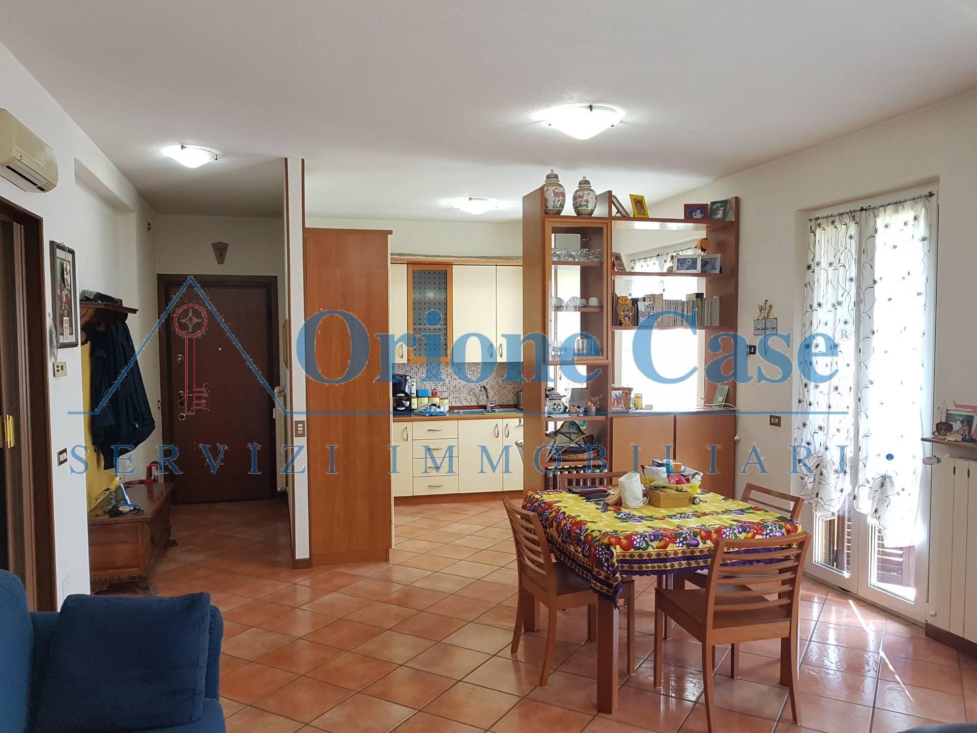 Appartamento in vendita a Cugliate-Fabiasco, 3 locali, zona iate, prezzo € 135.000 | PortaleAgenzieImmobiliari.it