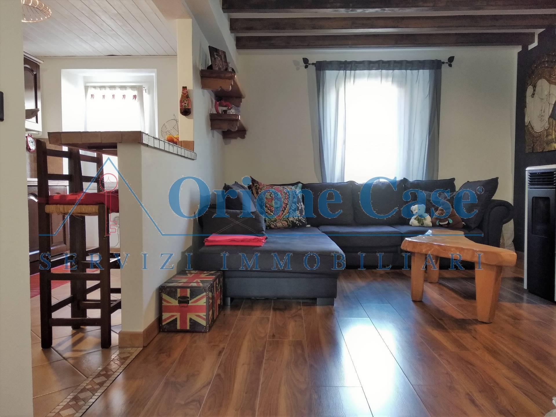 Soluzione Semindipendente in vendita a Cadegliano-Viconago, 3 locali, prezzo € 160.000 | PortaleAgenzieImmobiliari.it