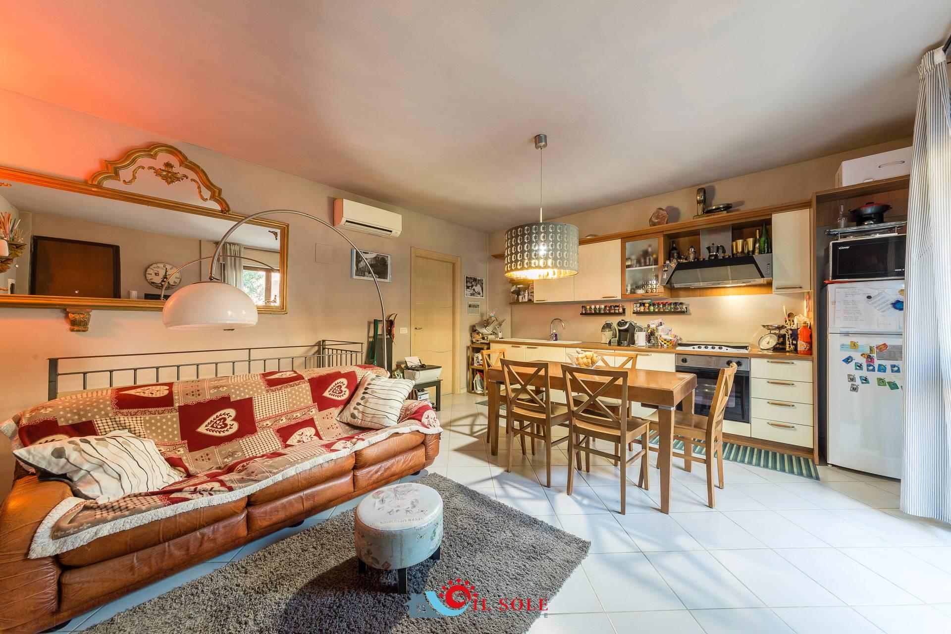 Appartamento in vendita a Pisa, 3 locali, zona Zona: Tirrenia, prezzo € 238.000 | CambioCasa.it