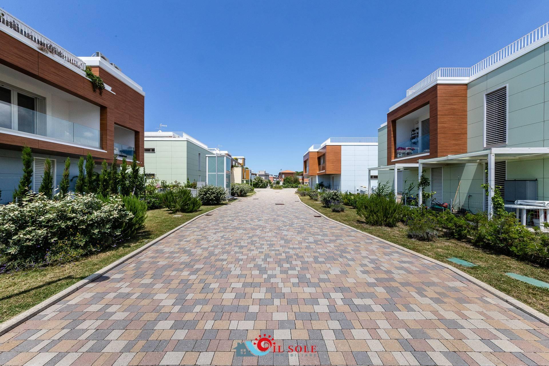 Appartamento in vendita a Pisa, 3 locali, zona Zona: Calambrone, prezzo € 260.000 | CambioCasa.it
