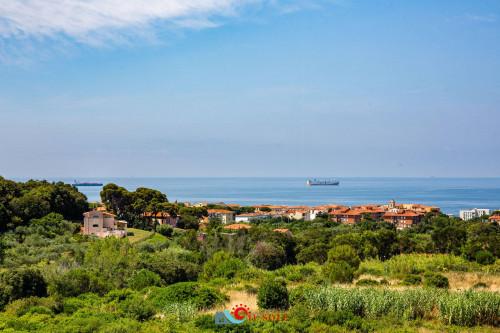 Villa in Vendita a Livorno - Antignano