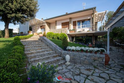 Villa in Vendita a Pisa - Tirrenia