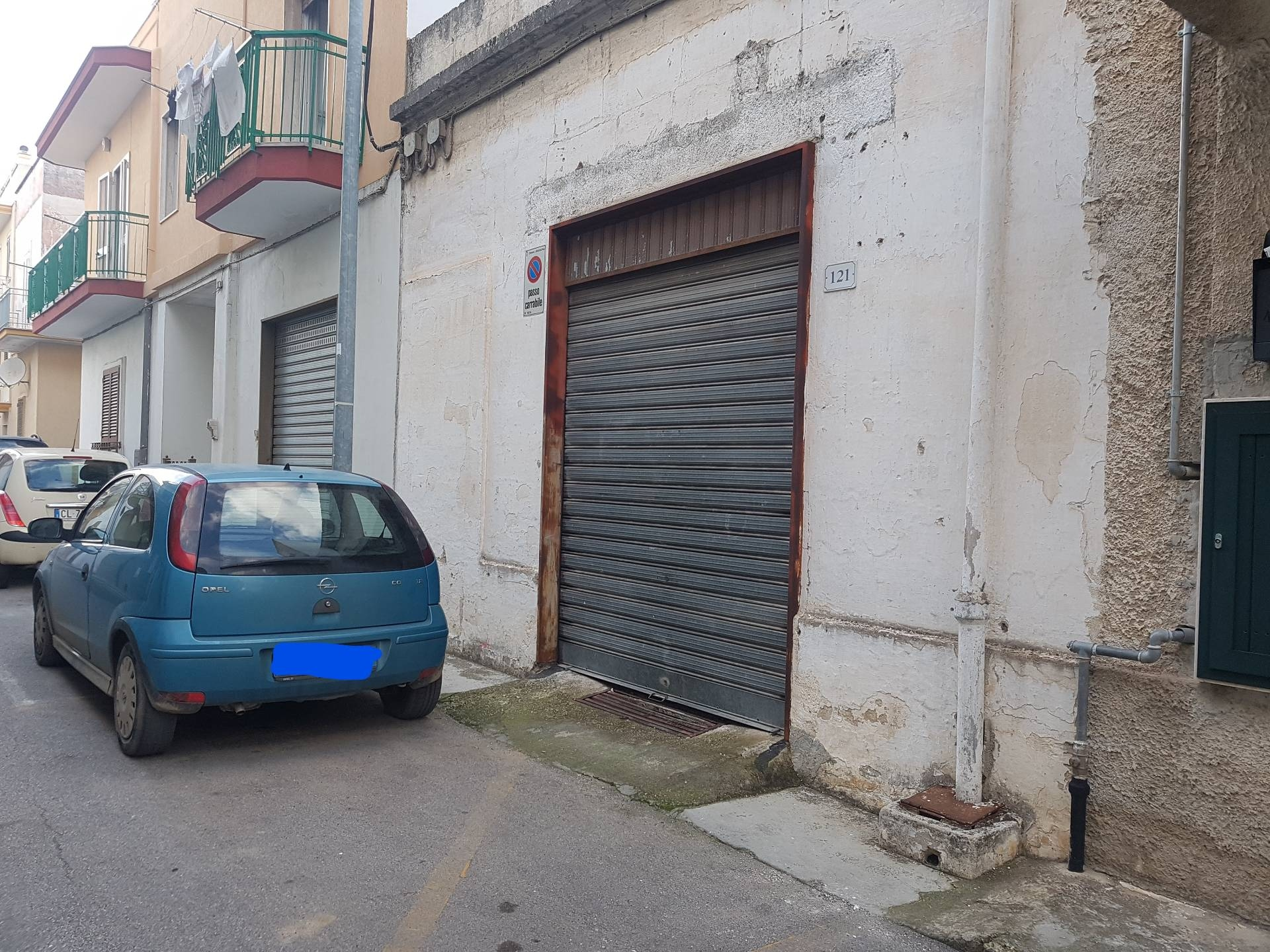 Garage in vendita a massafra cod 54 for Deposito garage appartamento