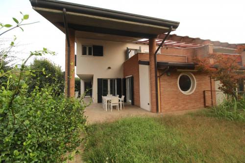Villa bifamiliare in Vendita a Valeggio sul Mincio