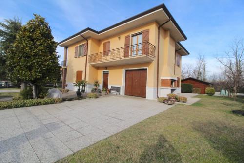 Casa singola in Vendita a Monzambano