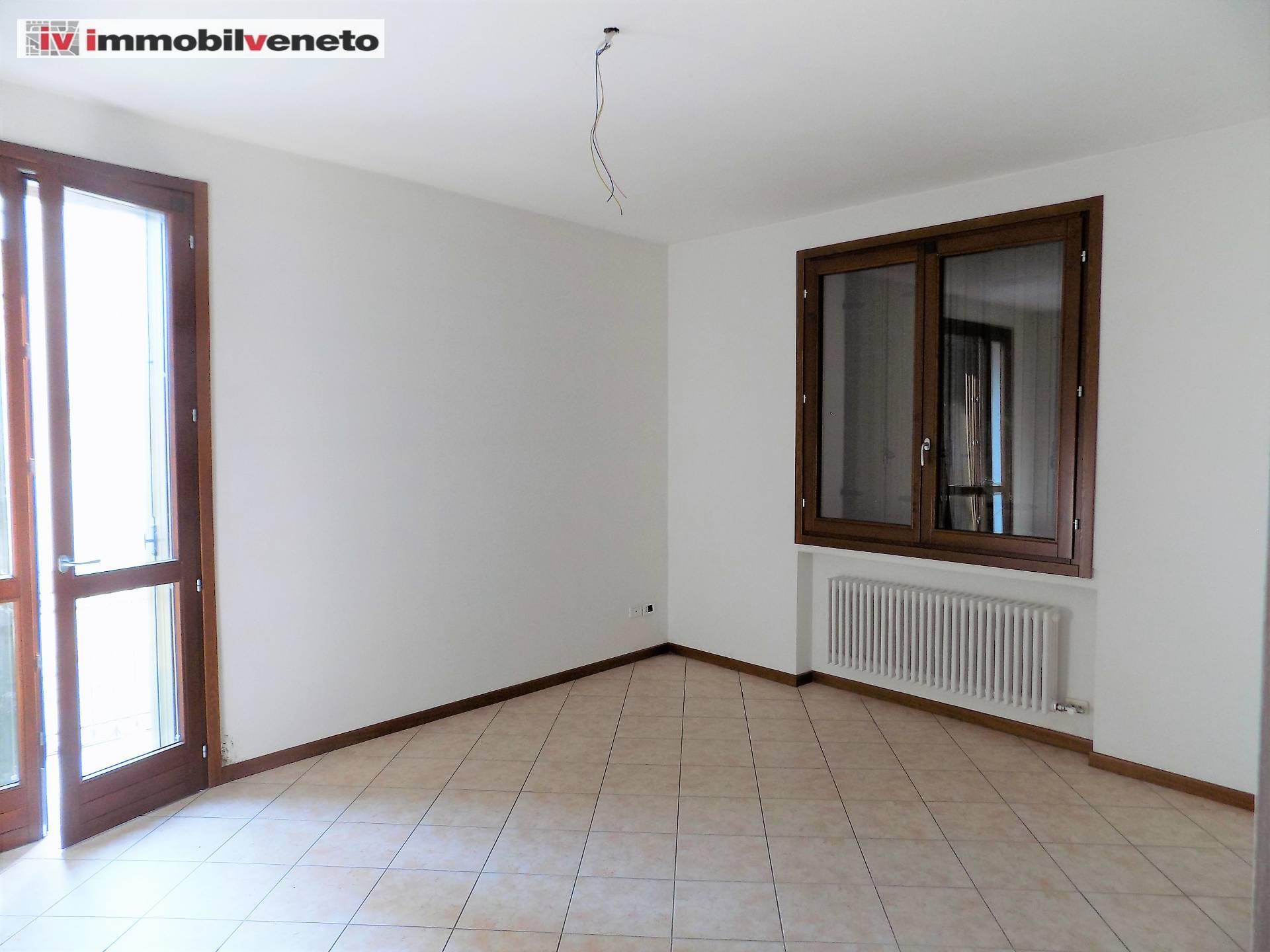 Appartamento in vendita a Orgiano, 4 locali, zona Zona: Spessa, prezzo € 83.000 | CambioCasa.it