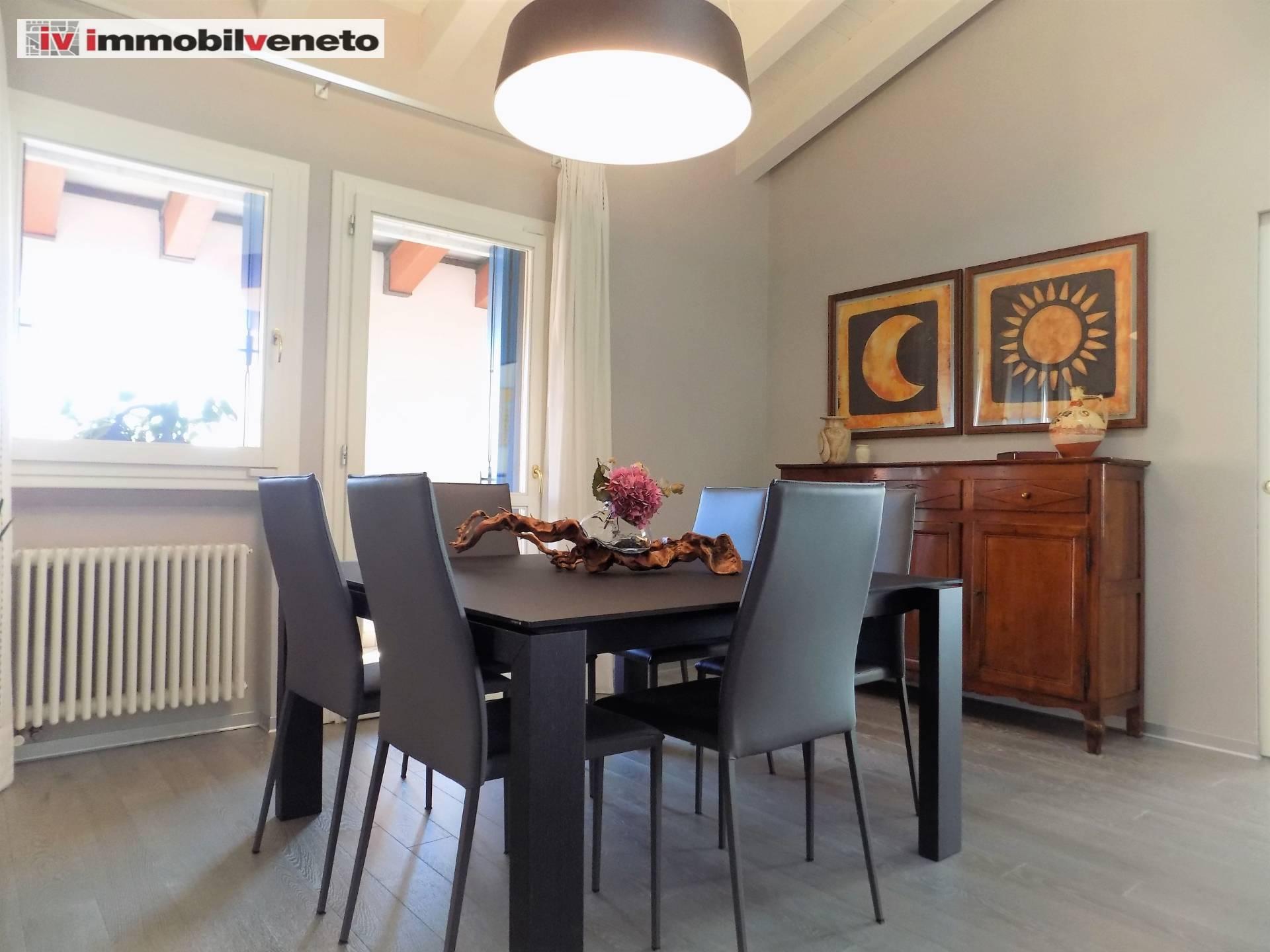 Appartamento in vendita a Lonigo, 7 locali, Trattative riservate   CambioCasa.it