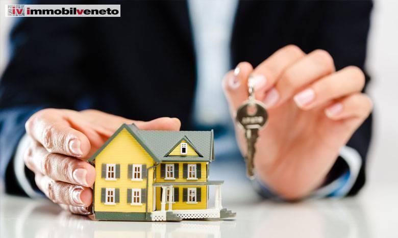 Appartamento in vendita a Lonigo, 5 locali, prezzo € 103.000   CambioCasa.it