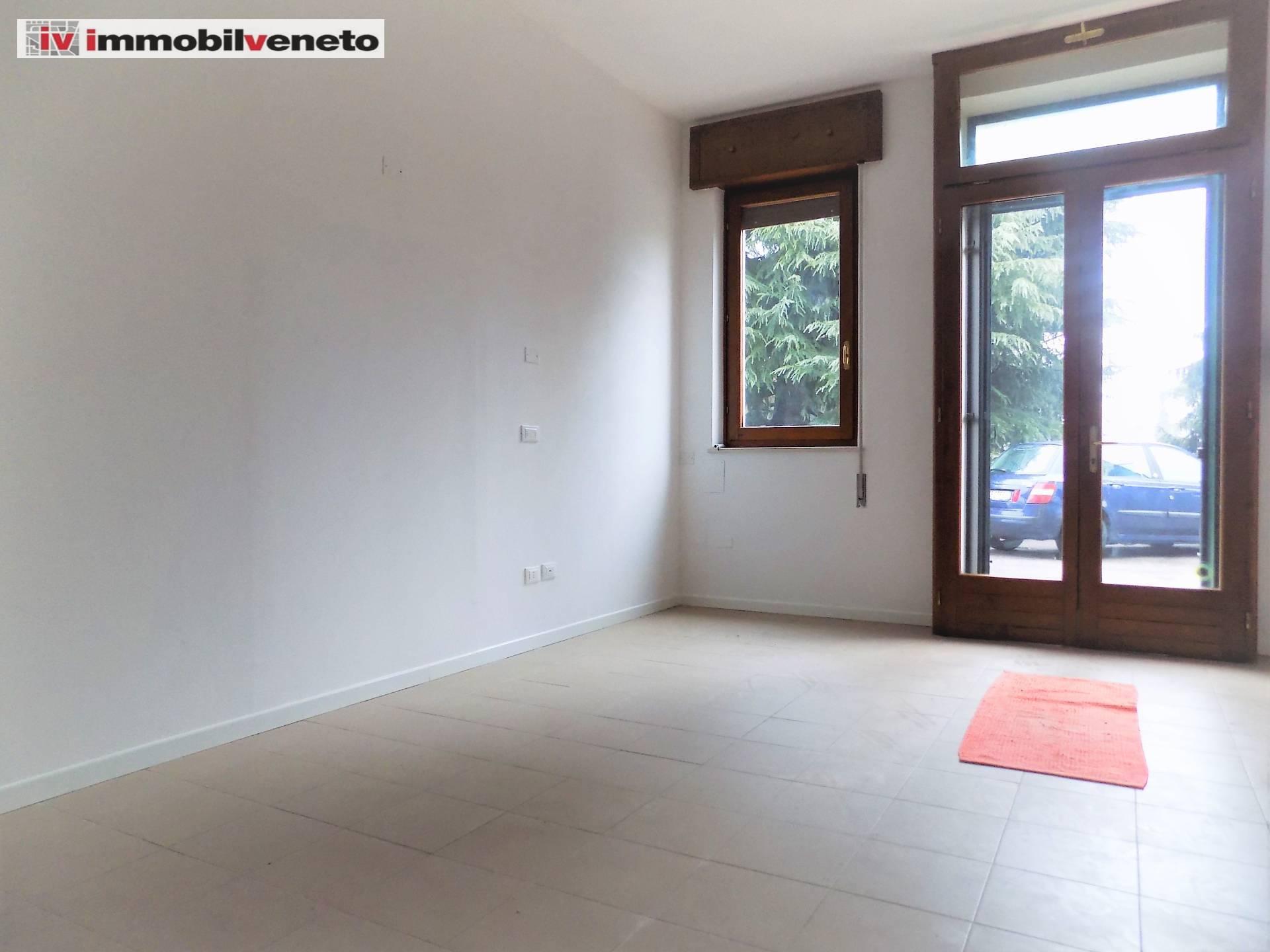 Attività / Licenza in affitto a Pojana Maggiore, 9999 locali, zona Zona: Cagnano, prezzo € 390 | CambioCasa.it