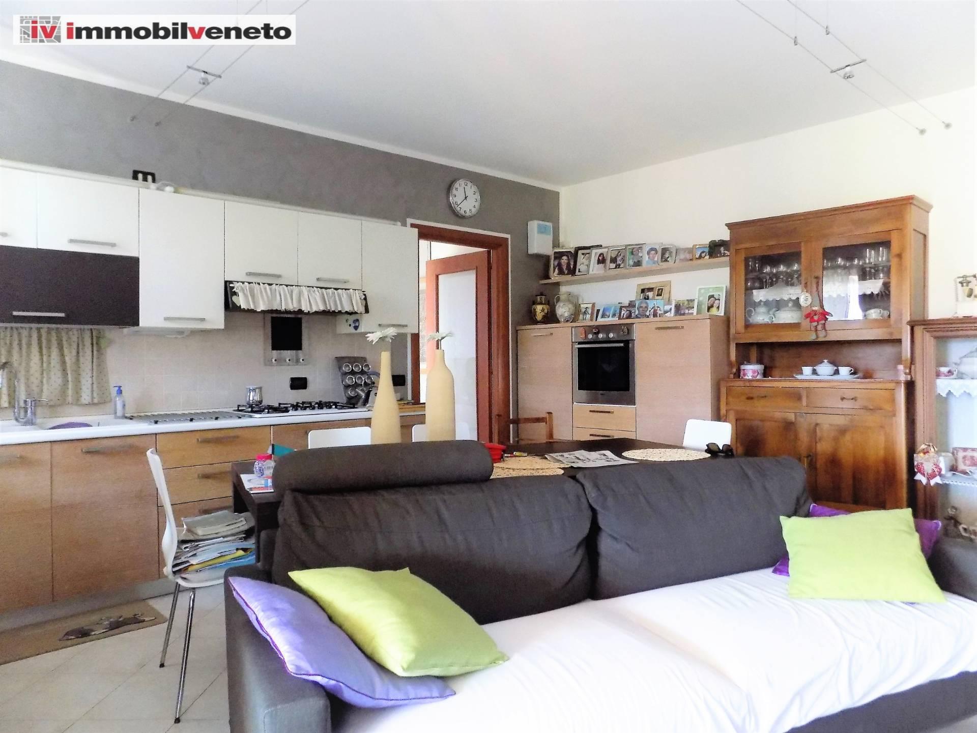 Appartamento in vendita a Lonigo, 4 locali, zona sano, prezzo € 130.000 | PortaleAgenzieImmobiliari.it