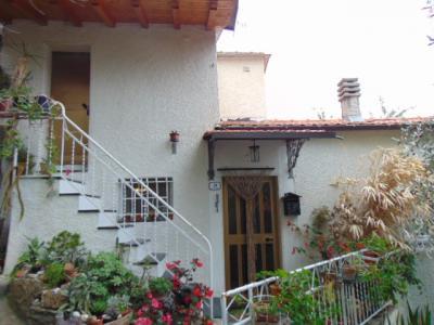 Casa singola in Vendita a Prelà