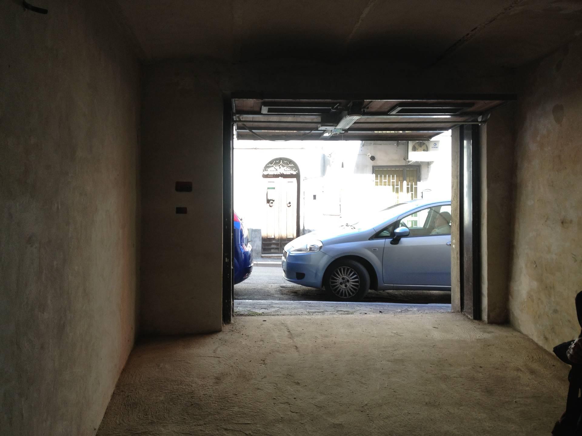 Garage posto auto deposito in vendita a vasto cod 3978 for Garage con deposito