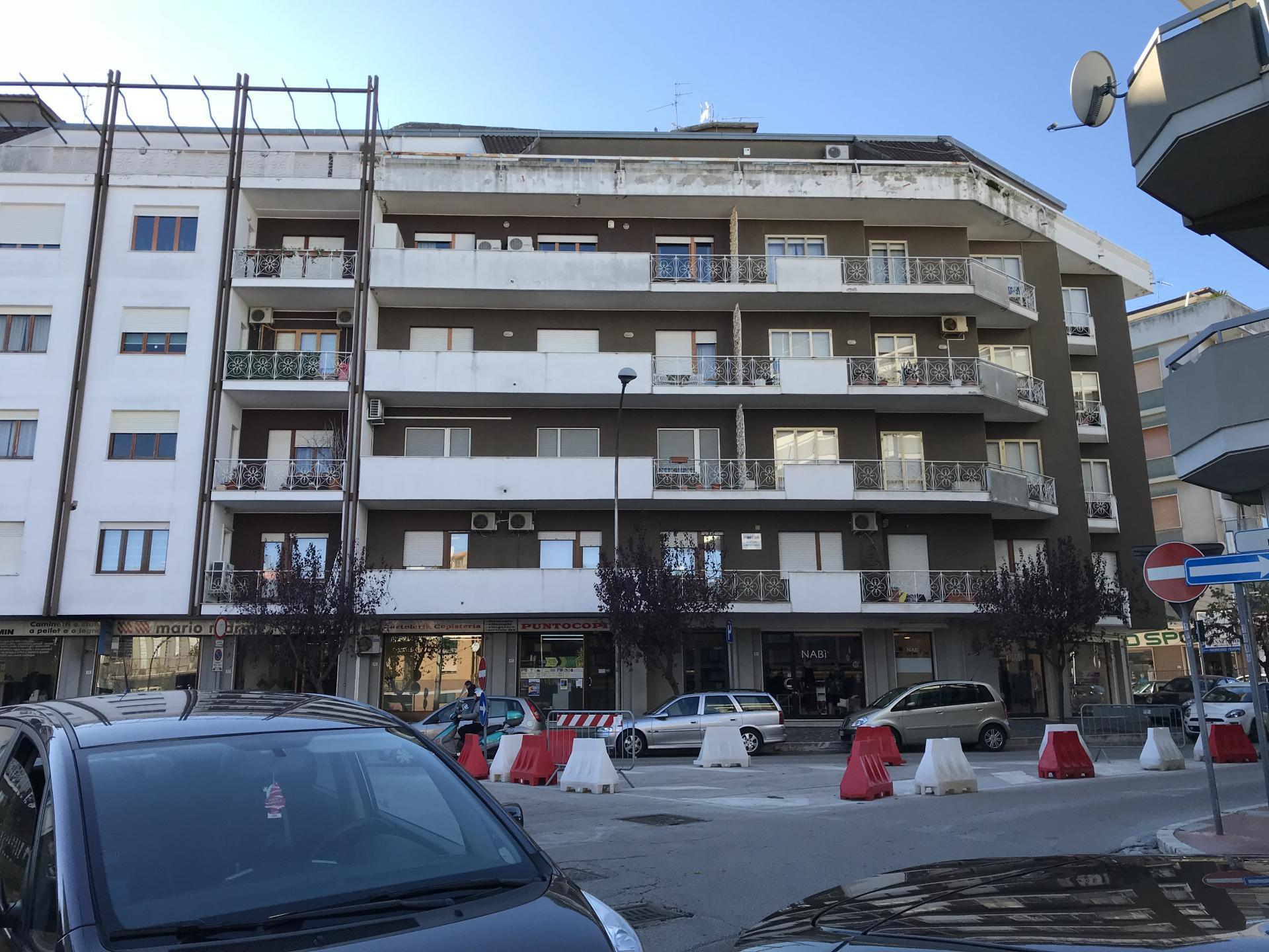 vendita appartamento vasto zona centrale  90000 euro  4 locali  95 mq