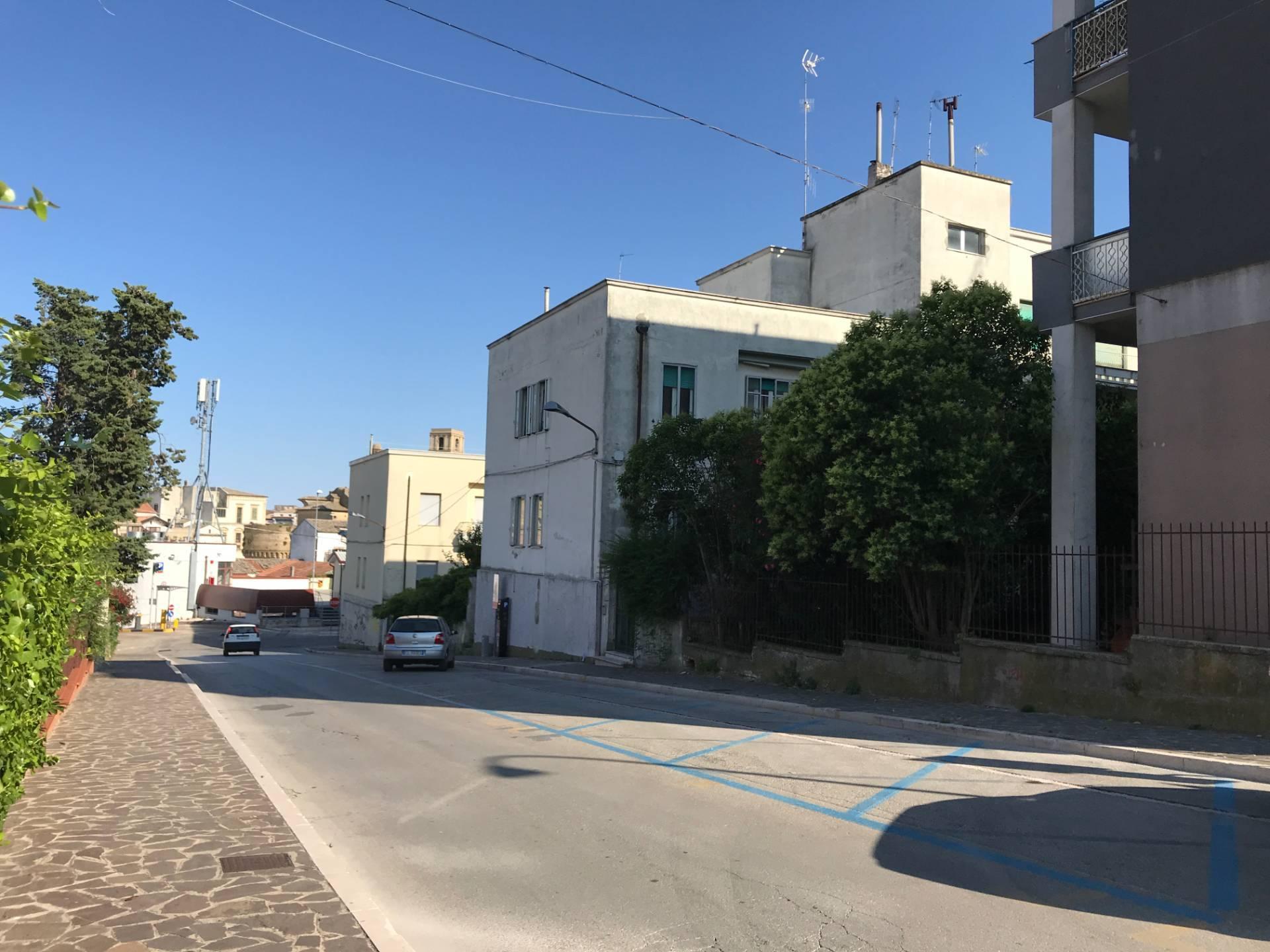 Appartamento in vendita a Vasto, 5 locali, zona Località: ZONACENTRALE, prezzo € 9.000 | CambioCasa.it
