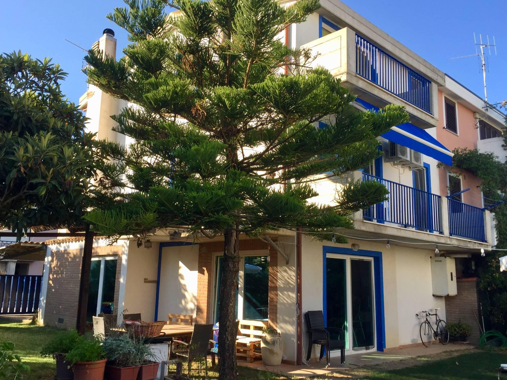 Villa Bifamiliare in vendita a Montenero di Bisaccia, 7 locali, prezzo € 285.000 | CambioCasa.it
