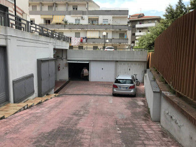 Box o garage in Vendita a Vasto