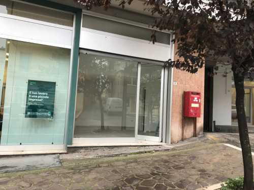 Locale commerciale in Affitto a Vasto