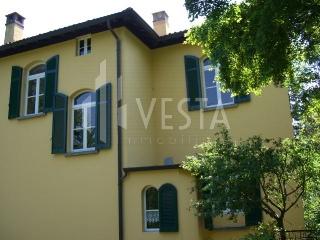 Villa in vendita a Olgiate Molgora, 6 locali, prezzo € 550.000 | CambioCasa.it