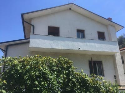 Villa in Vendita a Vimercate