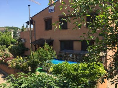 Villa in Vendita a Usmate Velate