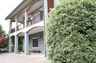 Casa indipendente in Vendita a Cornate d'Adda