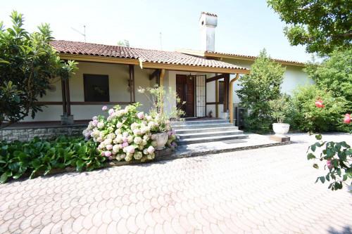 Villa in Vendita a La Valletta Brianza