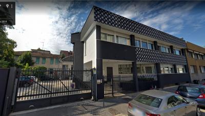 Palazzina Uffici in Vendita a Milano