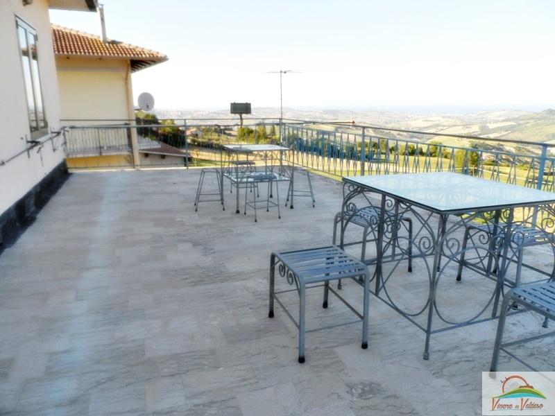 Soluzione Indipendente in affitto a Monterubbiano, 5 locali, prezzo € 252 | CambioCasa.it