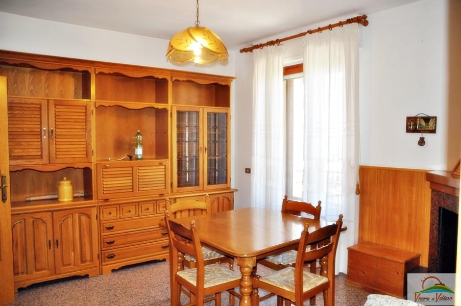 Appartamento in affitto a Carassai, 5 locali, prezzo € 400 | CambioCasa.it
