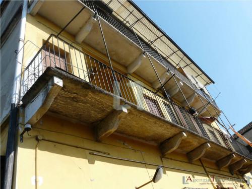 Stabile intero/cielo terra in Vendita a Milano