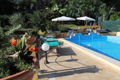 Villa in Affitto/Vendita a Pietrasanta