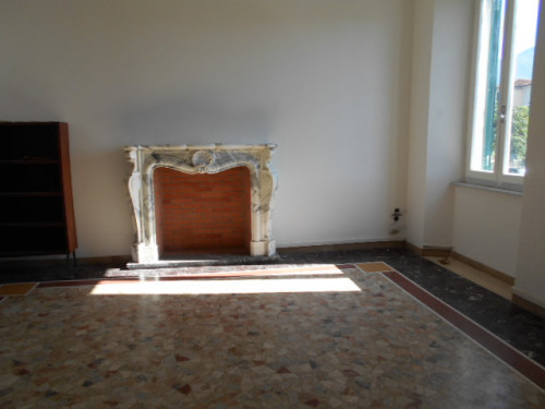 Appartamento in Affitto a Seravezza